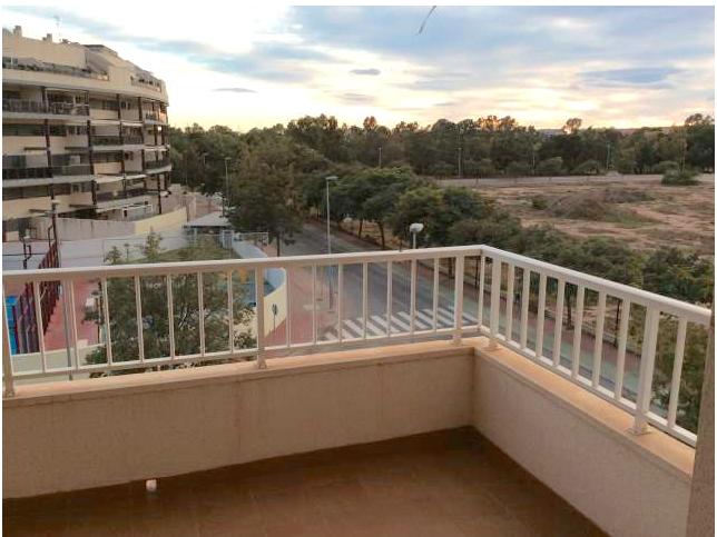 Апартаменты на пляже Канет (Валенсия).